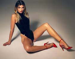 Samantha Hoopes: Fun Facts, Wild Shots