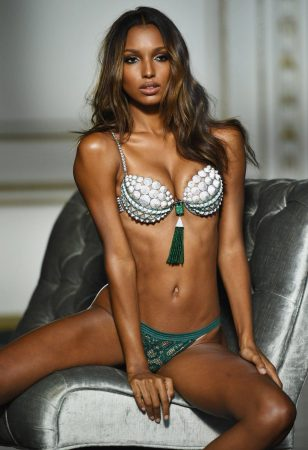 Jasmine Tookes Is A Super Hot Heart-Stealer - 39 Photos
