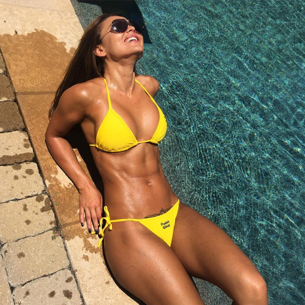 Julia Gilas Is Truly A Fitness And Hotness Superstar Pictures And Video