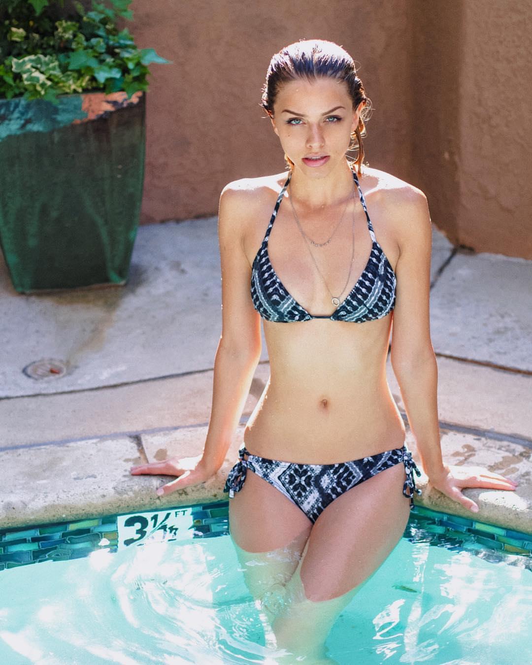 Marina Laswick: Hot, Active, And Nostalgic