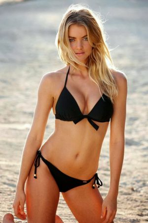 Elyse Taylor Is Our Weekend Ultra Hot Babe - 23 Pictures