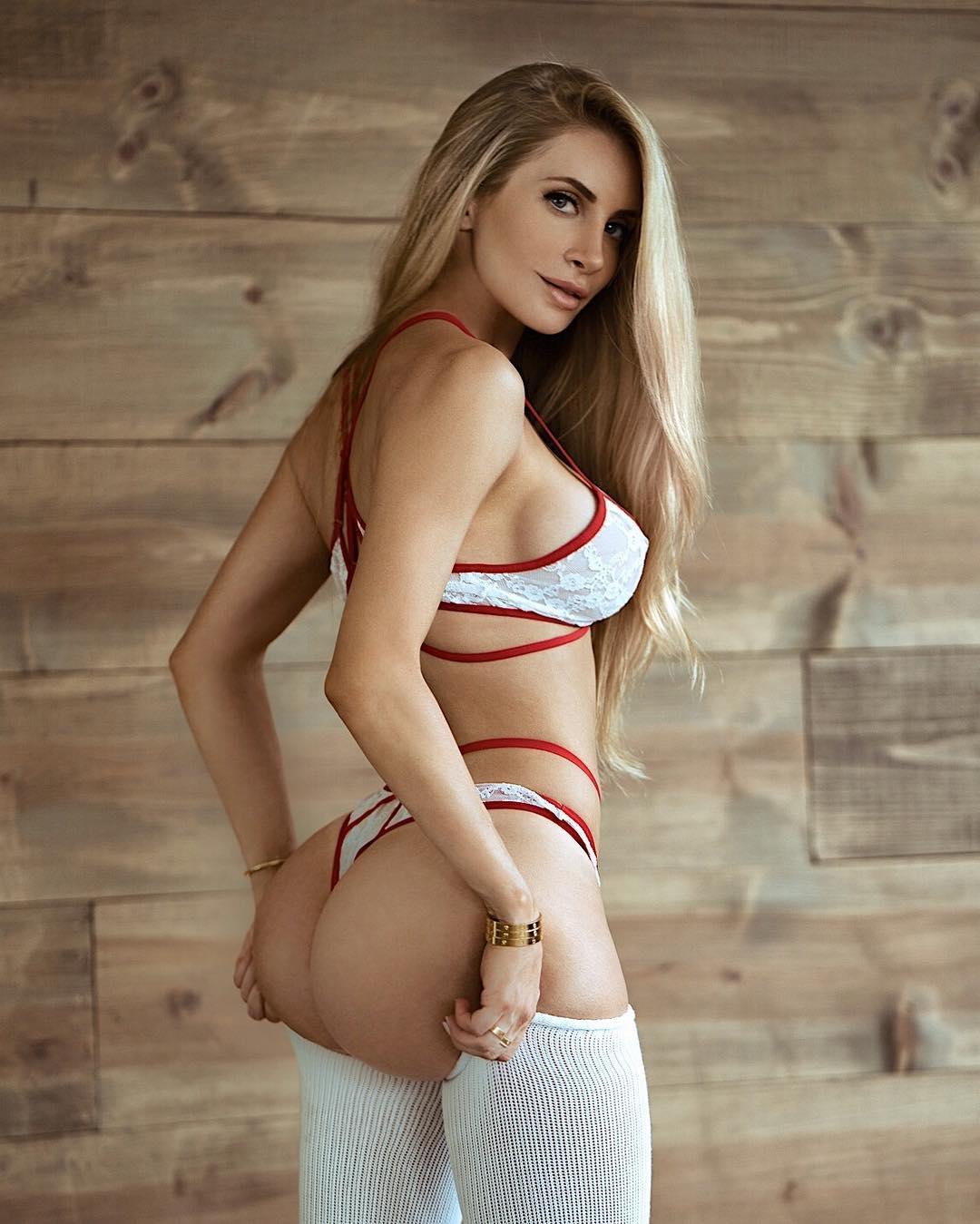 Amanda Elise Lee Naked amanda elise lee and her insanely hot body - 22 pictures