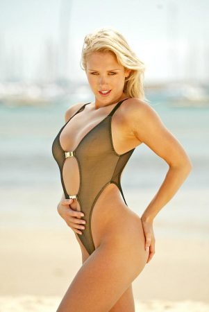 Our Weekend Wonder: The Insanely Hot Nicky Whelan