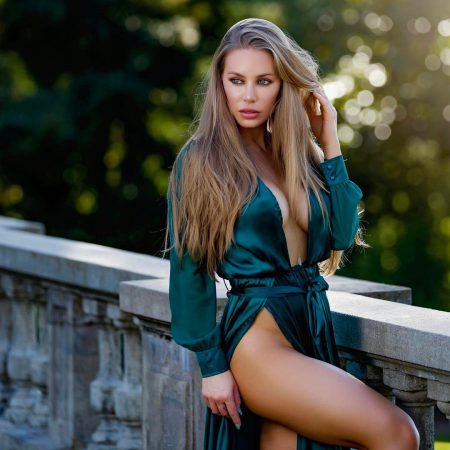 It's Sinful Sunday Again And This Time, Let's All Bask In Nicole Aniston's Hotness