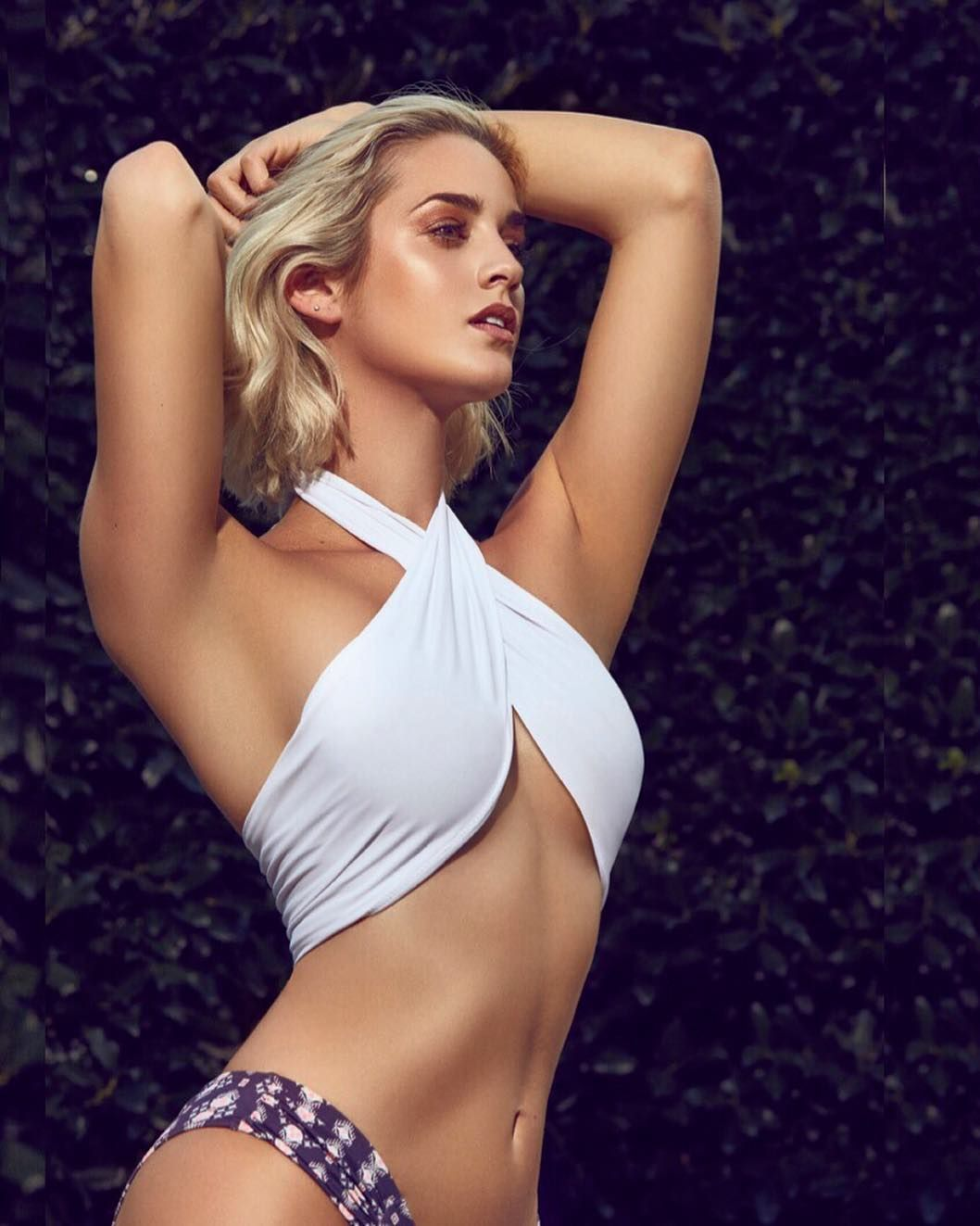 Allie Ayers Nude si model allie ayers stuns in her own swimsuit line