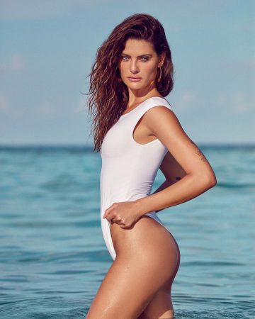 Our Timeless Tuesday Woman For This Week Is The Classy Isabeli Fontana