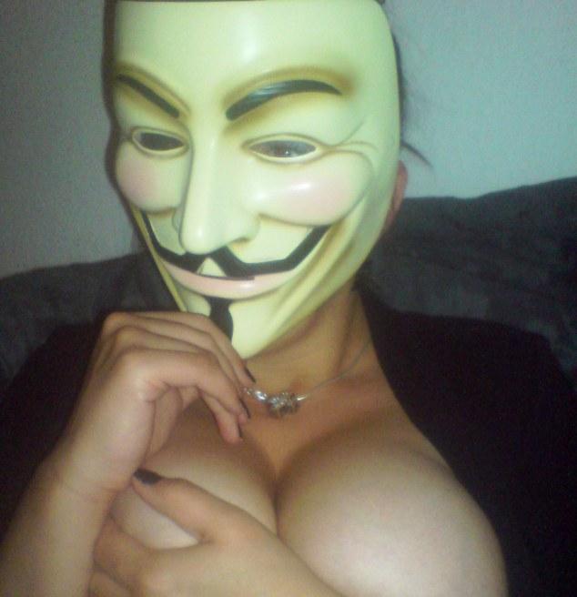 sexy-fawkes-24.jpg